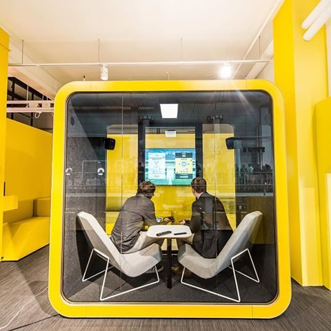 Framery Q Acoustic Pod available at Huntoffice Interiors. Framery is a pioneer and leading company in manufacturing and developing soundproof private spaces.